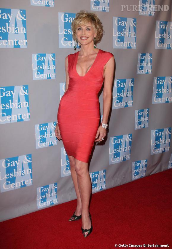 Même Sharon Stone s'essaie aux insolentes créations de Hervé Léger, l'actrice de Basic Instinct ne manque pas de piquant.