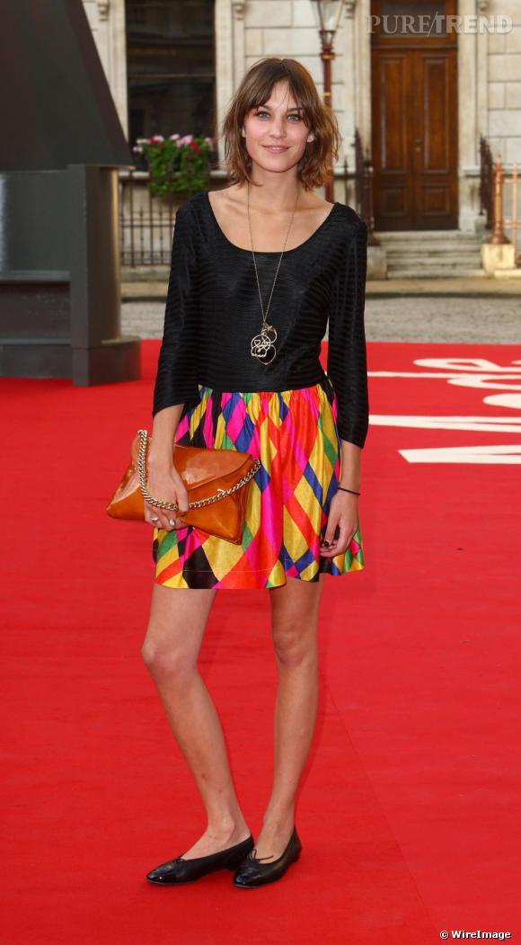 La It-girl Alexa Chung est également une adepte de la ballerine qui lui donne un look adorable