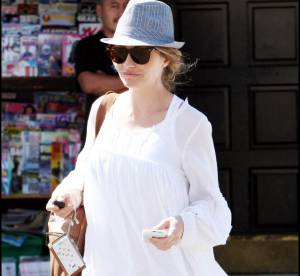 Rebecca Gayheart, son look casual à shopper !