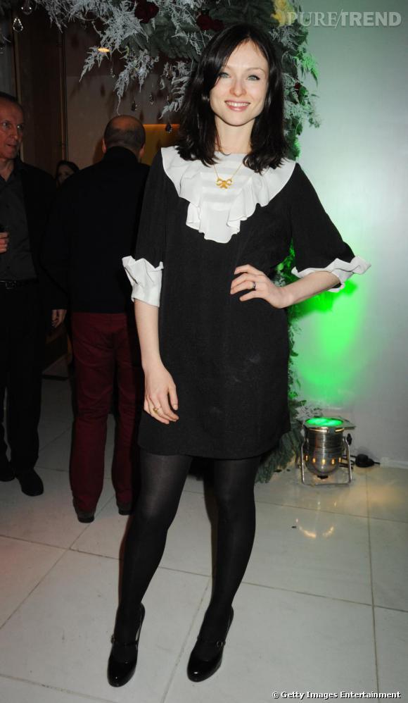 Sophie Ellis Bextor adorable dans sa petite robe noire.