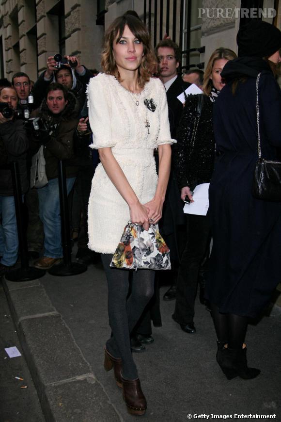 Alexa Chung au défilé haute couture de Chanel à Paris