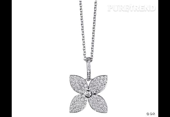 """Pendentif """"Les Craquantes"""", Louis Vuitton  Le célèbre Monogram s'offre une version plus que précieuse, en or blanc serti de 89 diamants.  Prix : 5500€"""