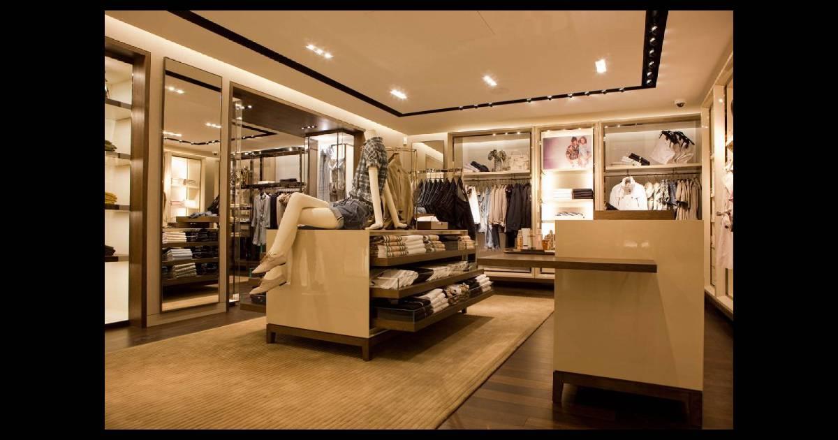 la nouvelle boutique burberry paris. Black Bedroom Furniture Sets. Home Design Ideas