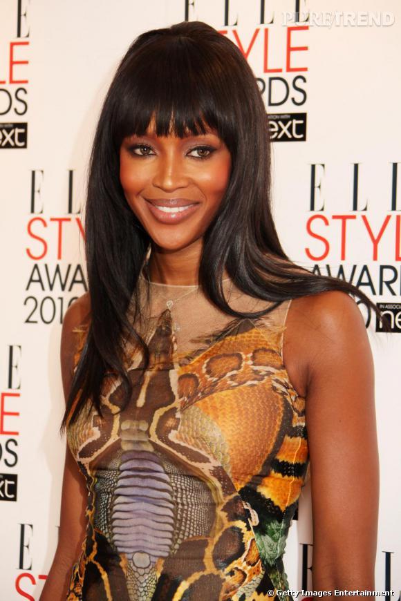 Toujours aussi belle, Naomi n'a rien perdu des ses charmes qui ont fait son succès dans les 90's.