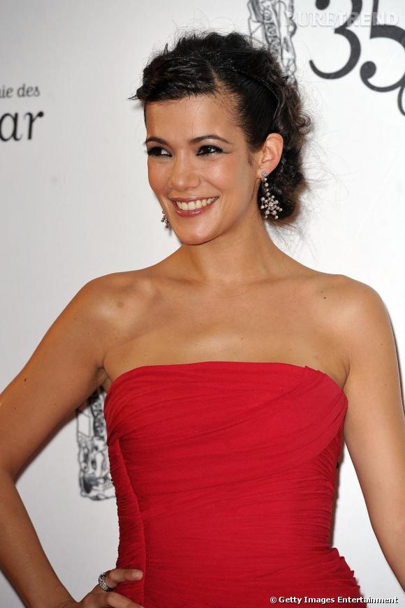 Mélanie Doutey mise sur une robe rouge ce soir-là. Idéale pour flatter son teint mat.