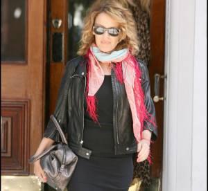 Kylie Minogue : un vrai défilé de mode devant son appartement