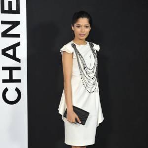 Freida Pinto adore les codes de la maison Chanel