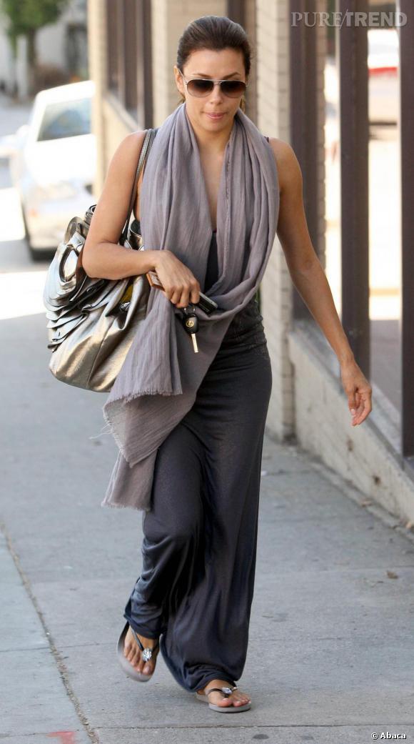 Ton sur ton pour une Eva Longoria peu haute en couleurs, pour une fois !