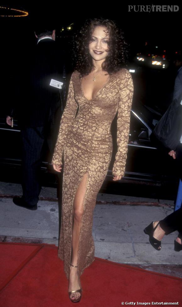 Très sensuelle, Jennifer Lopez a toujours mis en valeur sa silhouette parfaite.