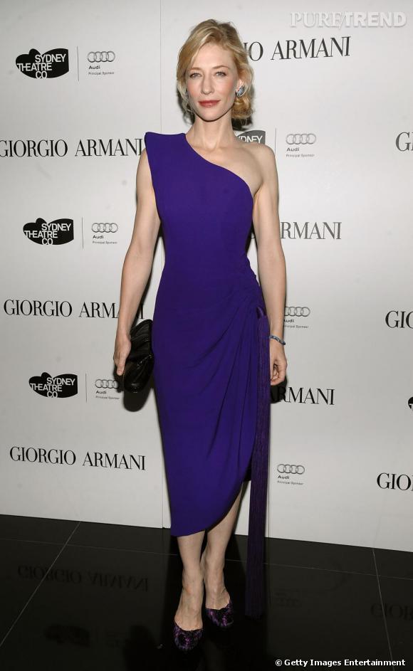 Cate Blanchett       Cate est fidèle à la maison  Armani . Pour présenter le film  Robin des Bois , elle pourrait fouler le tapis rouge en robe haute couture Armani Privé, comme à son habitude.