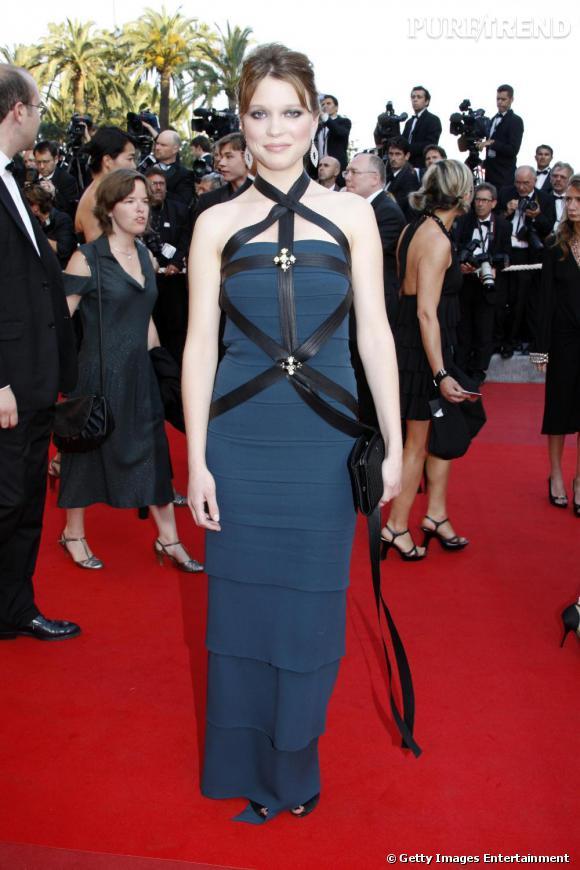 Léa Seydoux       Pour présenter le film  Robin des Bois  dans lequel elle partage l'affiche avec Russel Crowe et  Cate Blanchett , Léa pourrait comme l'année dernière, choisir une robe signée  Chanel .