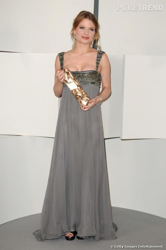 Mélanie Thierry       La baby doll est une adepte des robes signée Stefano Pilati pour  Yves Saint Laurent , c'est sans surprise donc qu'elle pourrait apparaître avec une robe du créateur sur le tapis rouge.
