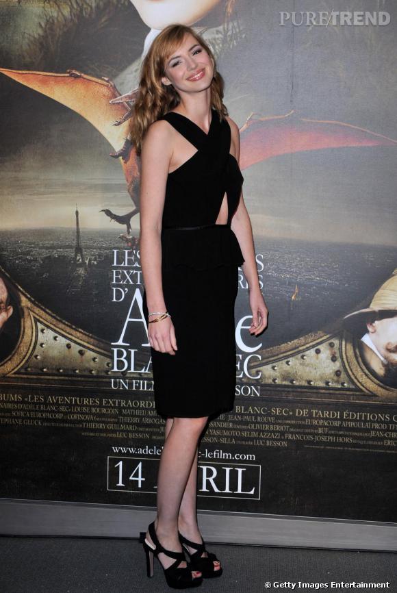 Louise Bourgoin       On a tellement aimé son dernier look, qu'on aimerait que Louise fasse une fois de plus le choix de s'habiller chez  Prada .