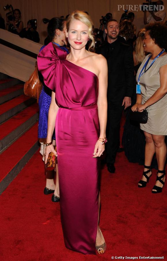 Naomi Watts       L'actrice australienne, venue présentée le dernier film de Woody Allen, pourrait ne pas changer ses habitudes, et choisir une robe  Stella McCartney , sa créatrice favorite.
