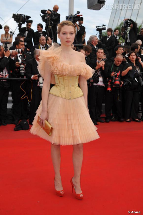 Léa Seydoux en jaune et en tulle. On applaudit la prise de risque...