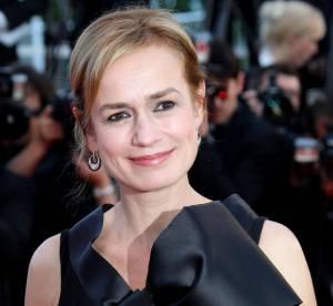 Cannes - Sandrine Bonnaire, chic et mutine