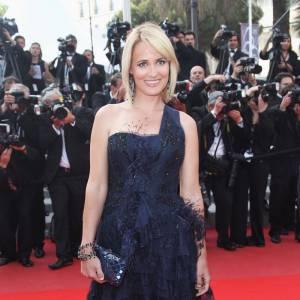 Judith Godrèche a quant à elle succombé au charme de la robe de vestale Emilio Pucci et surtout de sa traine parsemée de plumes.