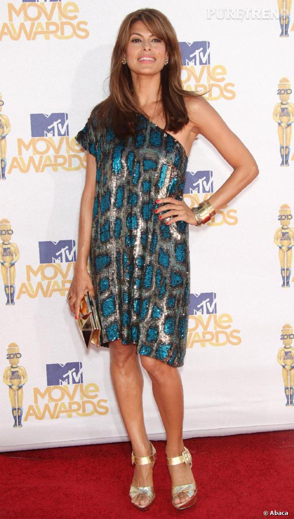 Eva Mendes en robe Stella McCartney lors des MTV Movie Awards à Universal City, Californie