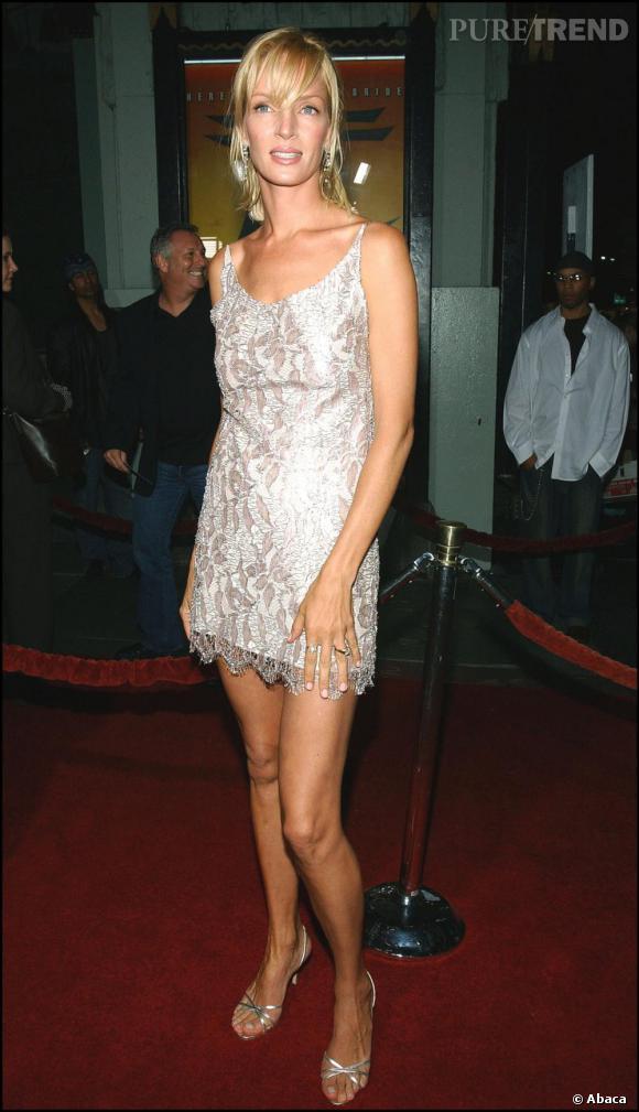 Uma Thurman en mini robe strassée argentée, un cliché rare et pourtant ça lui va bien !