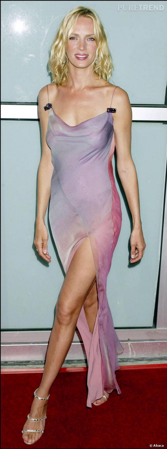 A la première de  Kill Bill Volume 2  Uma se lâche et apparait dans une robe voilage tres dénudée et transparente, divine mais un peu too much pour la belle.