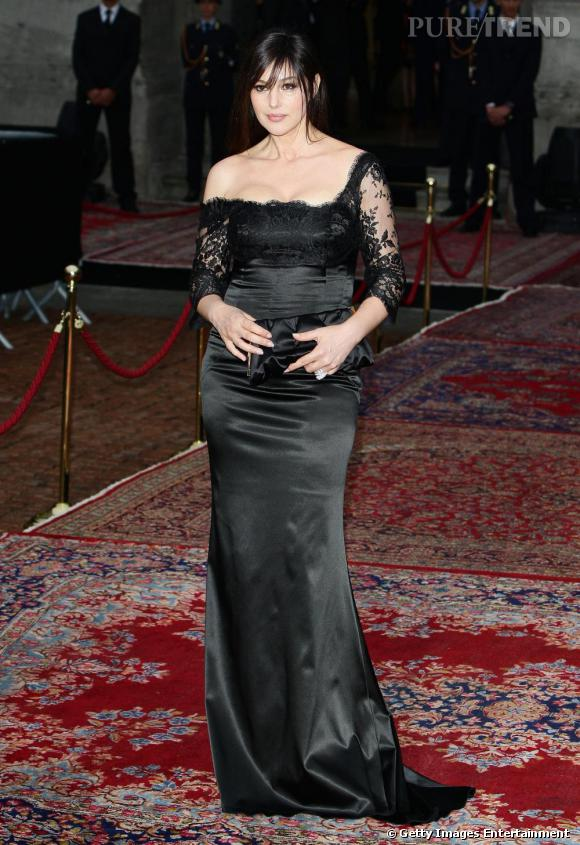Monica Bellucci, splendide en robe Dolce & Gabbana.