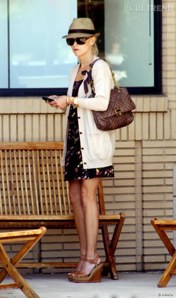 Reese Witherspoon en pleine séance de shopping à Beverly Hills.