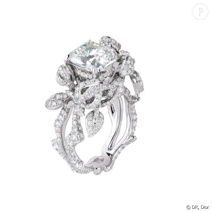 bague pr cieuses rose en or blanc et diamants dior joaillerie. Black Bedroom Furniture Sets. Home Design Ideas