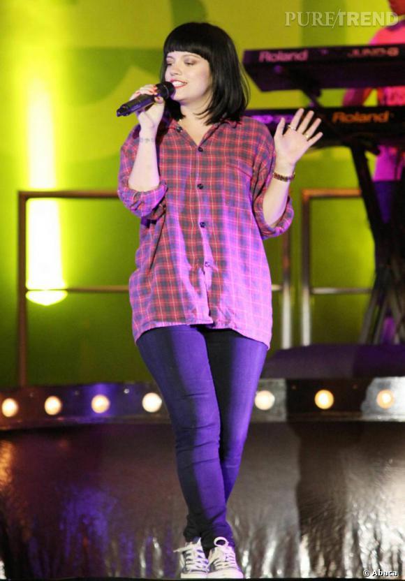 Lily Allen sur la scène du festival Big Chill en Angleterre.