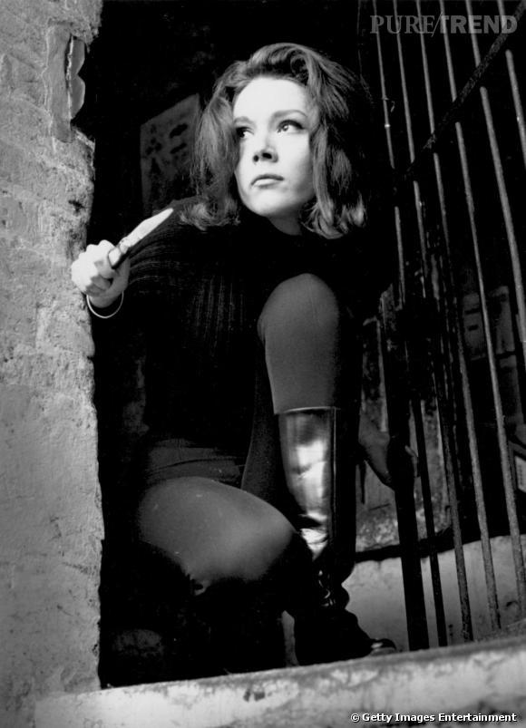 Dans le vanity d'Emma Peel     Je veux une peau veloutée de tueuse ...
