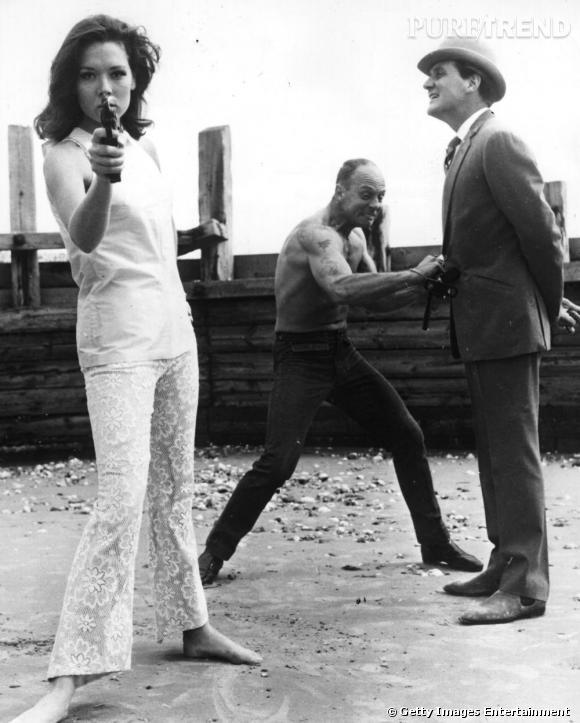 Dans le Vanity D'Emma Peel        Je veux un teint infaillible...