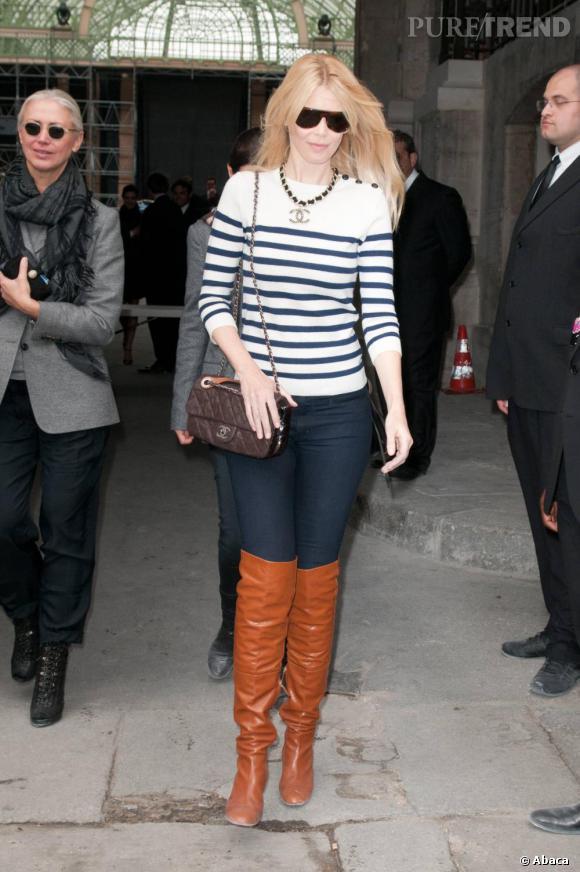 Claudia Schiffer au défilé Chanel Spring/Summer 2011.