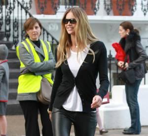 Elle Macpherson, trendy en black and white... A shopper !