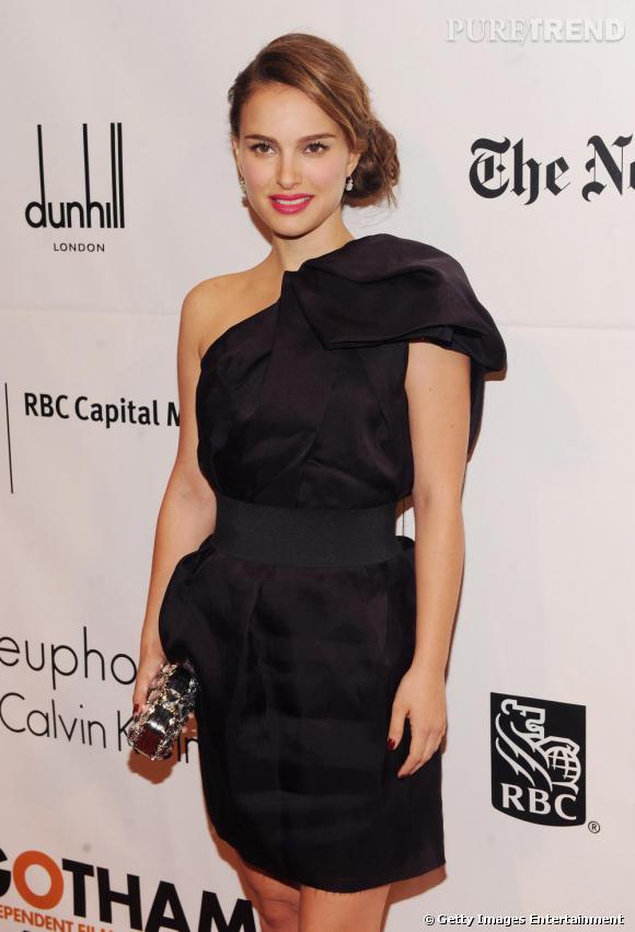 Natalie Portman en robe Lanvin pour H&M.