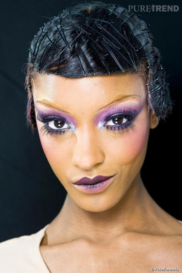 Le cheveu afro sur les podiums En mode Arletty chez Dior.