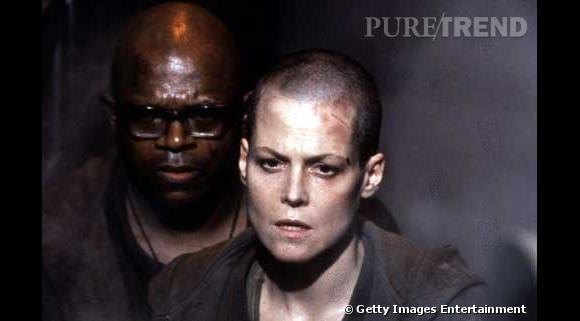 Sigourney Weaver : pour le film Alien 3, elle joue les G.I et se rase la tête.
