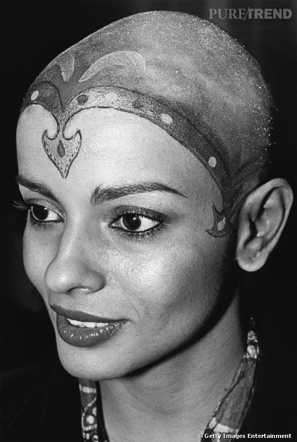 Persis Khambatta : pour son rôle dans Star Trek en 1979 l'actrice a du se raser le crâne. Choix très difficile sachant qu'elle était d'origine indienne et que les cheveux sont sacrés dans ce pays.