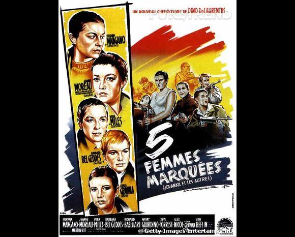 """Jeanne Moreau : en 1960 Jeanne, ainsi que les quatre autres actrices du film """"5 Femmes marquées"""" se sont rasées le crâne, créant une véritable polémique."""