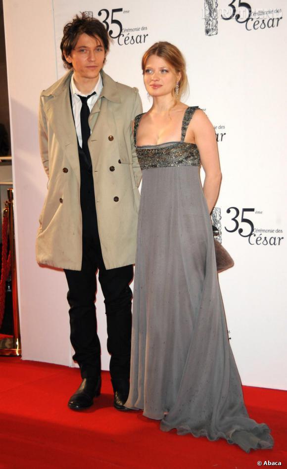 2010    La belle Mélanie Thierry emmène son beau Raphael.