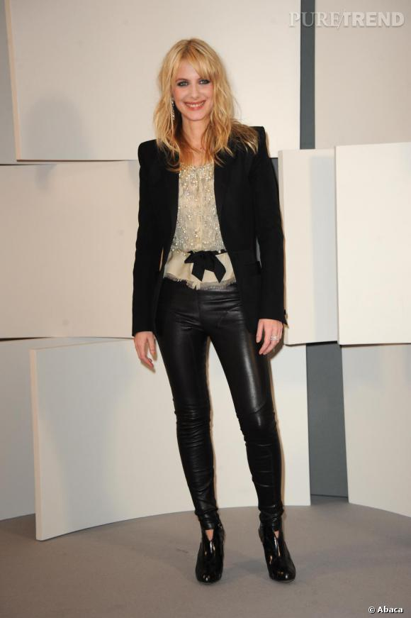 2010   Le slim en cuir, la nouvelle robe de soirée.