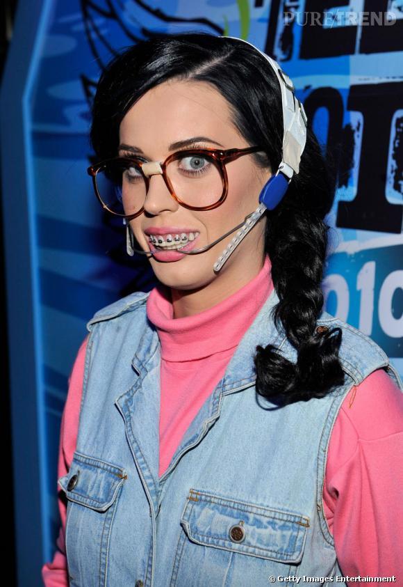 Rassurez-vous, Katy Perry est juste déguisée pour une soirée.