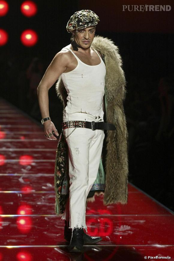 Défilé Christian Dior Haute Couture, printemps-été 2003.