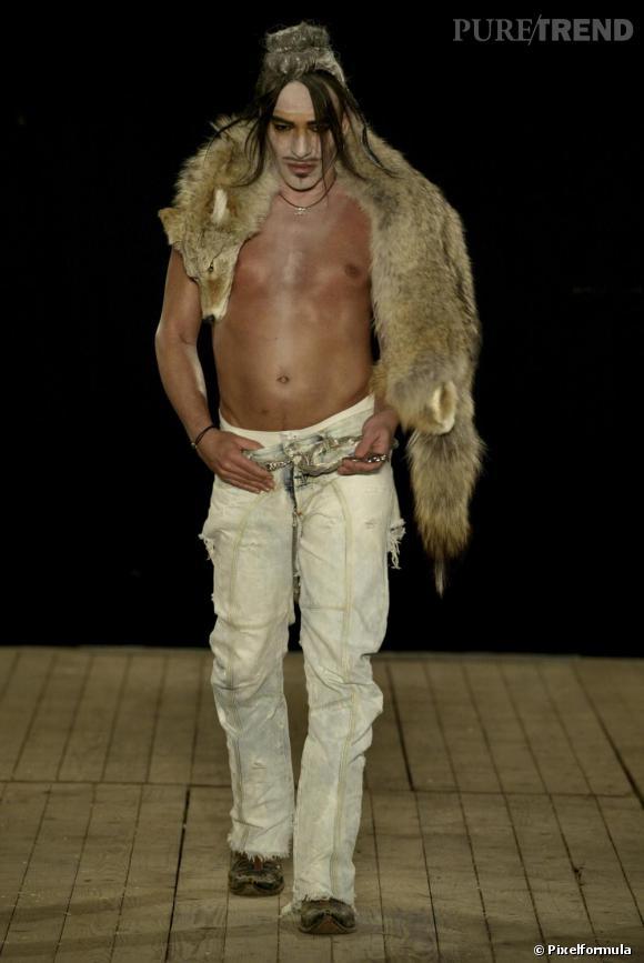 Défilé John Galliano Homme, automne-hiver 2004/2005.