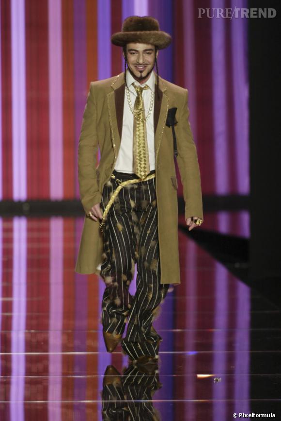 Défilé John Galliano Femme, automne-hiver 2004/2005.