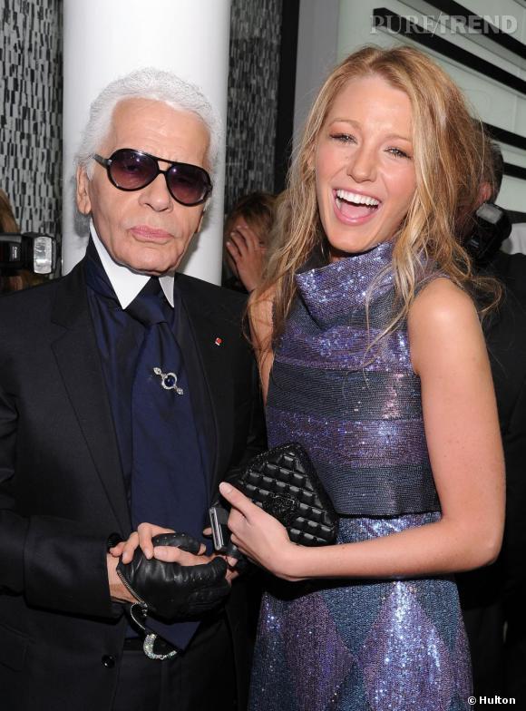 """Après Christian Louboutin, c'est Karl Lagerfeld que Blake Lively fait fondre. Le créateur de la maison Chanel fait d'elle le visage pour sa nouvelle ligne de sacs """"Mademoiselle."""""""