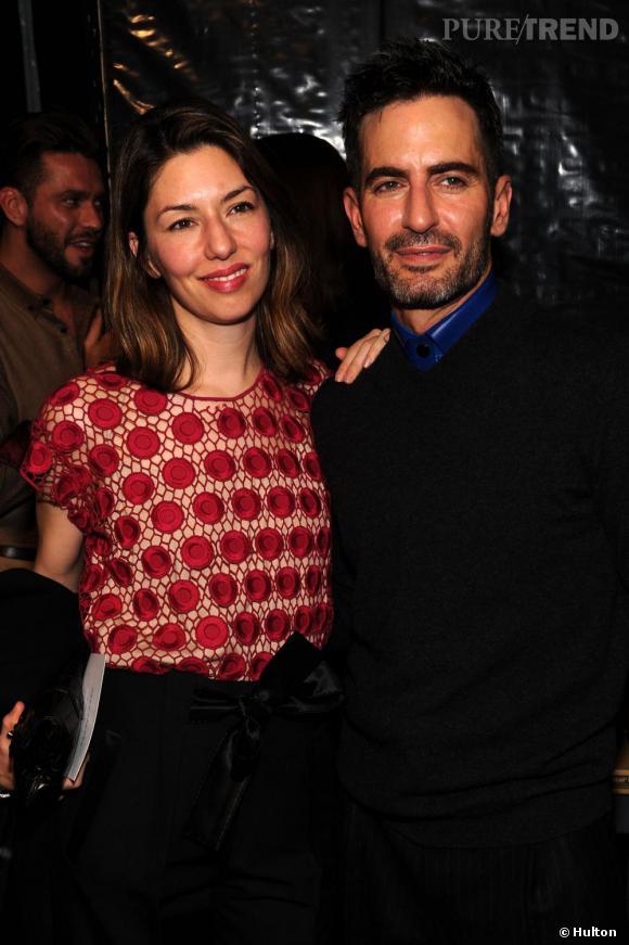 """La collaboration de Marc Jacobs et Sofia Coppola, c'est tout d'abord l'histoire d'une amitié. Admiratrice des créations du styliste qui l'habille en toutes occasions, ce dernier lui dédie le """"Sofia Bag"""". La réalisatrice dessine désormais des collections de sacs pour Louis Vuitton."""