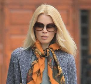 Claudia Schiffer, femme à foulard