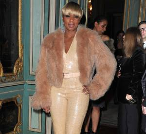 Même chez Michael Kors, Mary J. Blige affiche son bling.