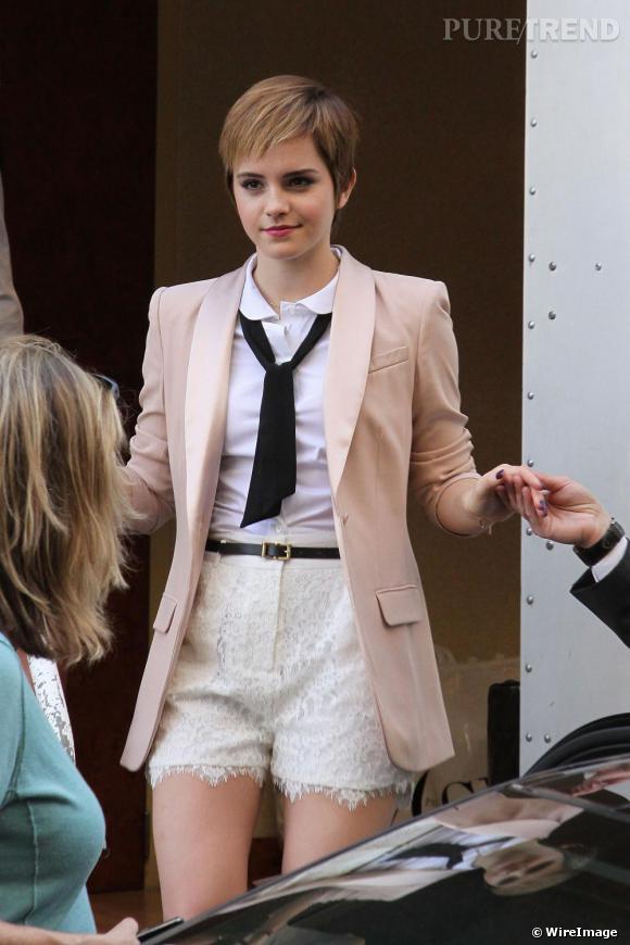 Emma Watson sur le tournage de la nouvelle campagne de pub Lancôme, à Paris.