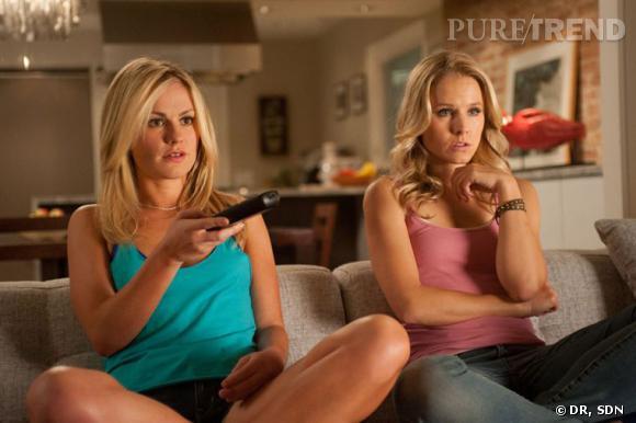 """Elles sont belles, blondes et sans défense. Anna Paquin et Kristen Bell s'imposent comme des victimes de premier choix. On entend presque déjà la sonnerie du téléphone et la voix leur murmurer """"tu veux mourir ce soir ?"""" comme à Sarah Michelle Gellar dans Scream 2."""