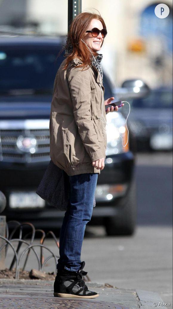 Julianne Moore en pleine séance shopping à New York.